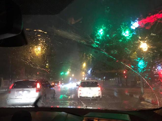 Vì sao Hà Nội đón mưa rào vào đêm giao thừa xuân Canh Tý? - Ảnh 1.