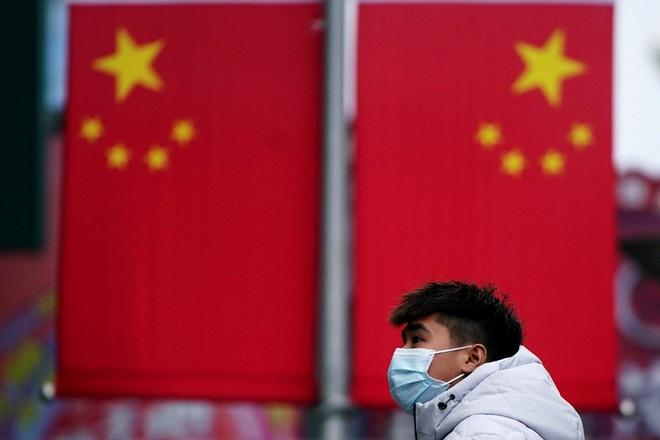 Giữa vùng dịch viêm phổi Vũ Hán: Dân hoảng loạn, bác sĩ bất lực, Quân giải phóng ứng cứu - Ảnh 2.