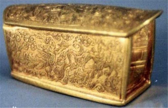 Truyền thuyết kỳ lạ chiếc quan tài vàng khai quật 10 năm nhưng chưa từng được mở ra - Ảnh 3.