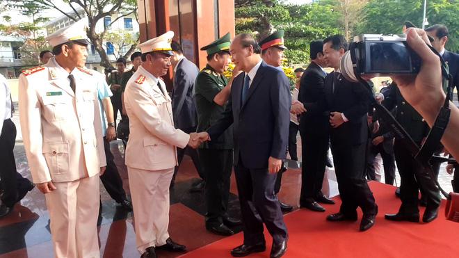 Thủ tướng Nguyễn Xuân Phúc thăm, chúc tết Công an Đà Nẵng - Ảnh 2.