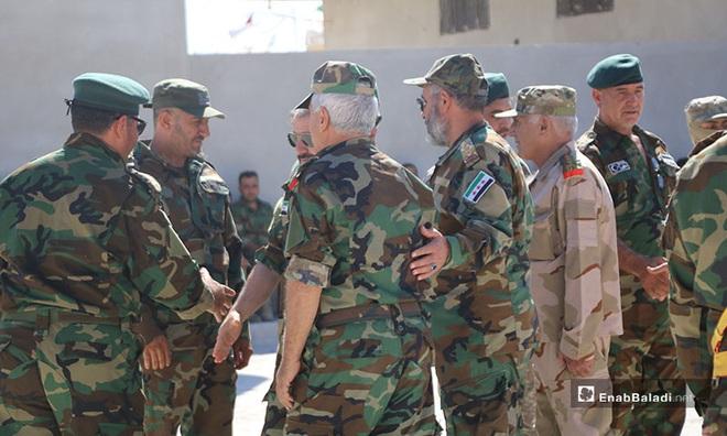 Israel bất ngờ tấn công ồ ạt, PK Syria choáng váng nhưng vẫn khai hỏa dồn dập - Damascus rực lửa - Ảnh 1.