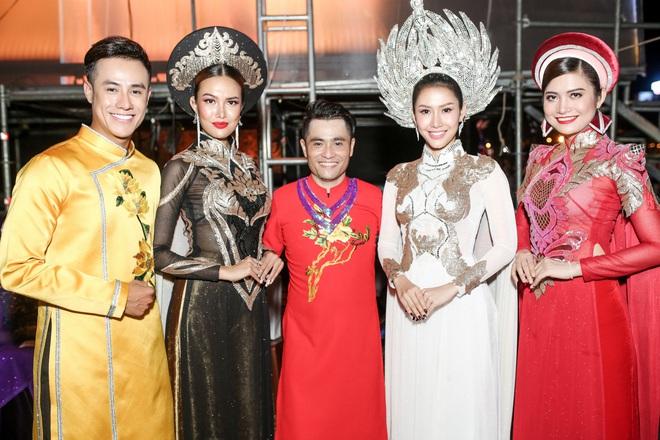 Hoa hậu Phan Thu Quyên xinh đẹp, thướt tha trong áo dài của NTK Nhật Dũng - Ảnh 1.