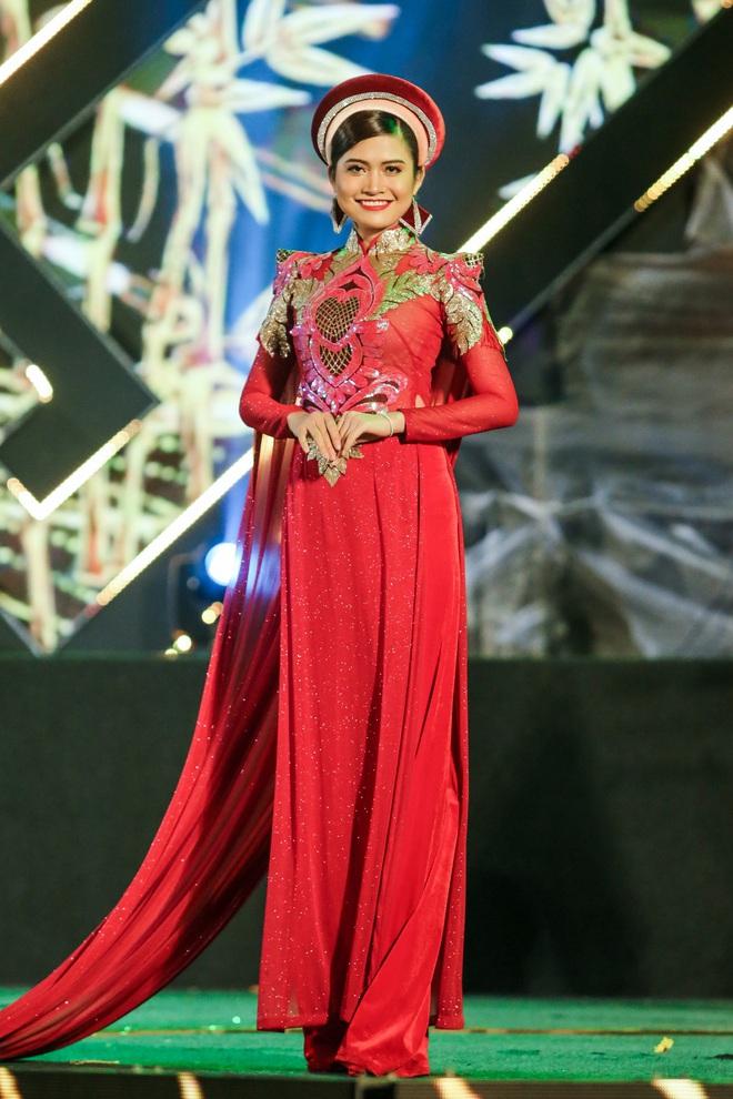 Hoa hậu Phan Thu Quyên xinh đẹp, thướt tha trong áo dài của NTK Nhật Dũng - Ảnh 7.