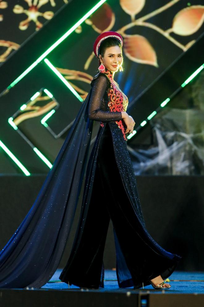 Hoa hậu Phan Thu Quyên xinh đẹp, thướt tha trong áo dài của NTK Nhật Dũng - Ảnh 10.