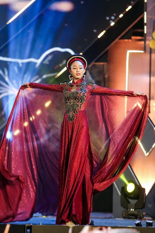 Hoa hậu Phan Thu Quyên xinh đẹp, thướt tha trong áo dài của NTK Nhật Dũng - Ảnh 8.