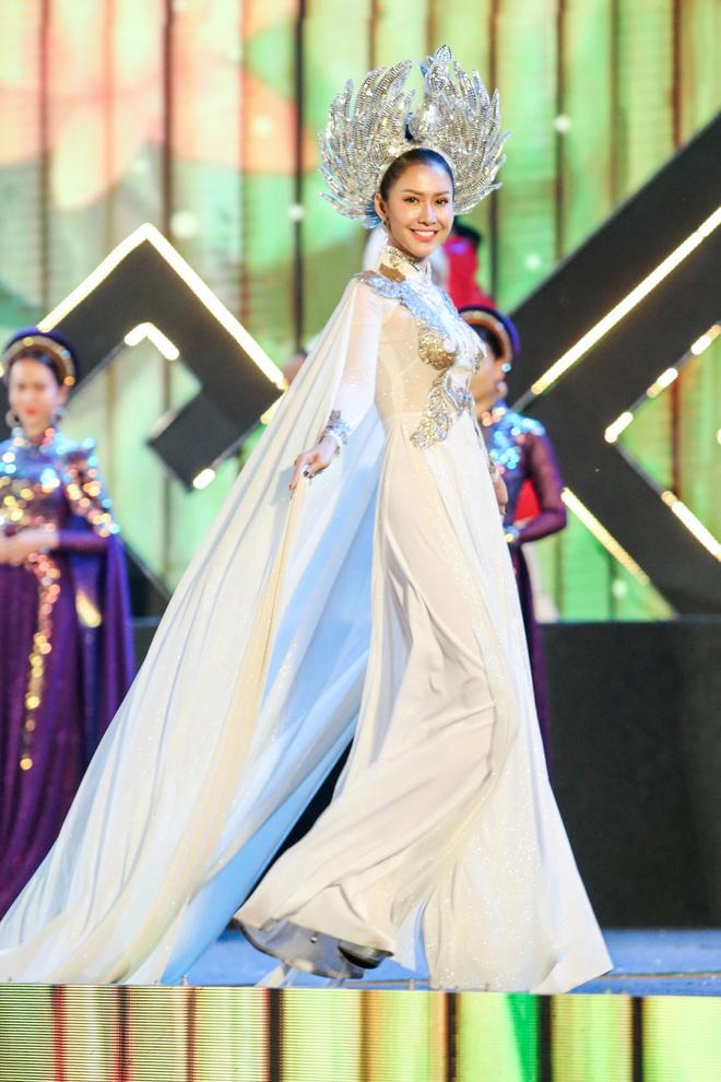 Hoa hậu Phan Thu Quyên xinh đẹp, thướt tha trong áo dài của NTK Nhật Dũng - Ảnh 4.