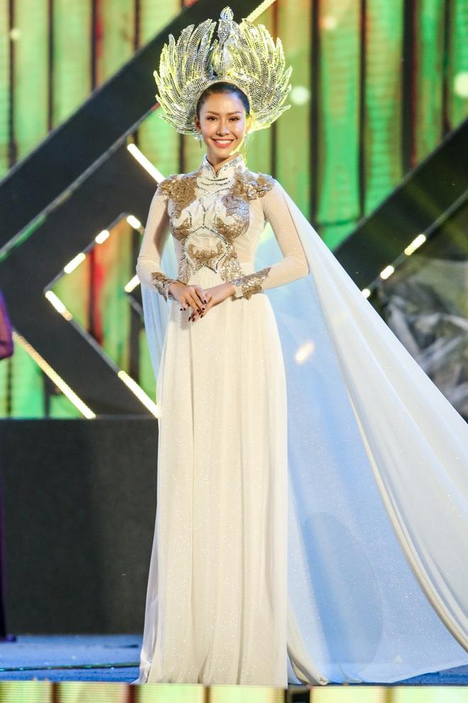 Hoa hậu Phan Thu Quyên xinh đẹp, thướt tha trong áo dài của NTK Nhật Dũng - Ảnh 5.