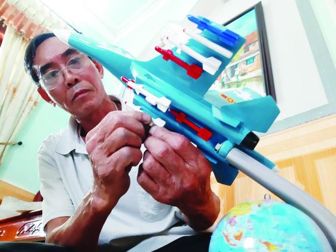 Xưởng sản xuất máy bay chiến đấu độc nhất Việt Nam - Ảnh 1.