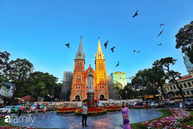 Chùm ảnh cực phẩm 1 năm chỉ có 1 lần cảnh đường phố Sài Gòn vắng vẻ khác lạ, cảm giác quá đỗi thanh bình vào sáng mùng 1 Tết - ảnh 1