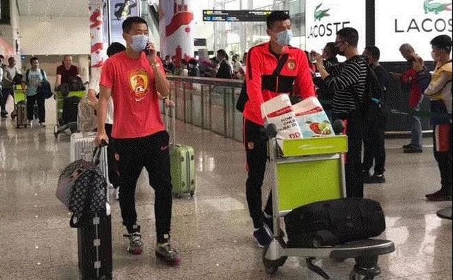 Dịch viêm phổi Vũ Hán: Bóng đá Trung Quốc cấm khán giả, cầu thủ phải đón Tết xa nhà