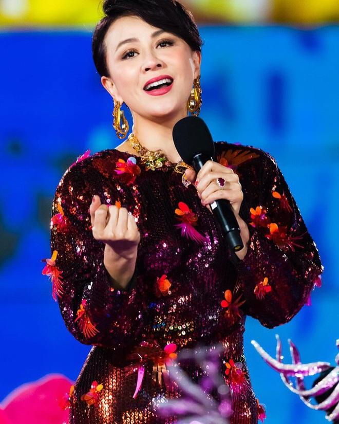Lưu Gia Linh, Dương Mịch, Angelababy rạng ngời đón xuân - Ảnh 2.