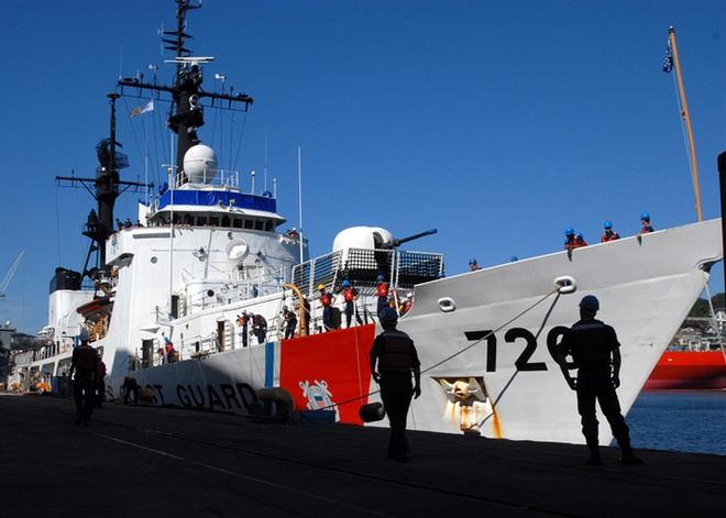 [ẢNH] Cảnh sát biển Việt Nam thăm tàu tuần tra USCGC John Midgett sắp được Mỹ bàn giao - Ảnh 15.