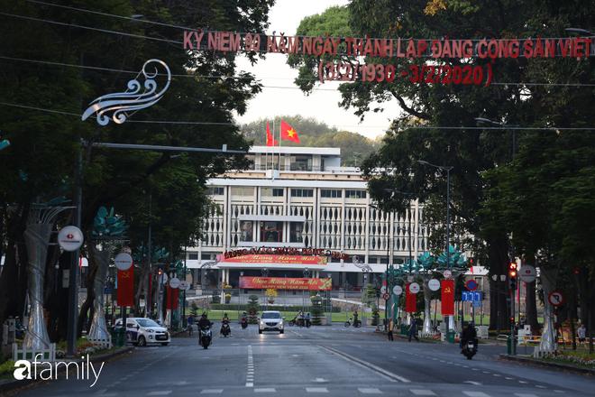 Chùm ảnh cực phẩm 1 năm chỉ có 1 lần cảnh đường phố Sài Gòn vắng vẻ khác lạ, cảm giác quá đỗi thanh bình vào sáng mùng 1 Tết - ảnh 10