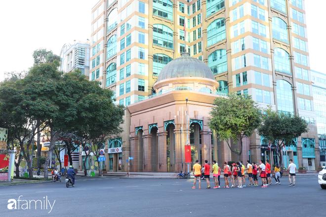 Chùm ảnh cực phẩm 1 năm chỉ có 1 lần cảnh đường phố Sài Gòn vắng vẻ khác lạ, cảm giác quá đỗi thanh bình vào sáng mùng 1 Tết - ảnh 13