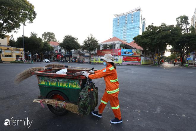 Chùm ảnh cực phẩm 1 năm chỉ có 1 lần cảnh đường phố Sài Gòn vắng vẻ khác lạ, cảm giác quá đỗi thanh bình vào sáng mùng 1 Tết - ảnh 14