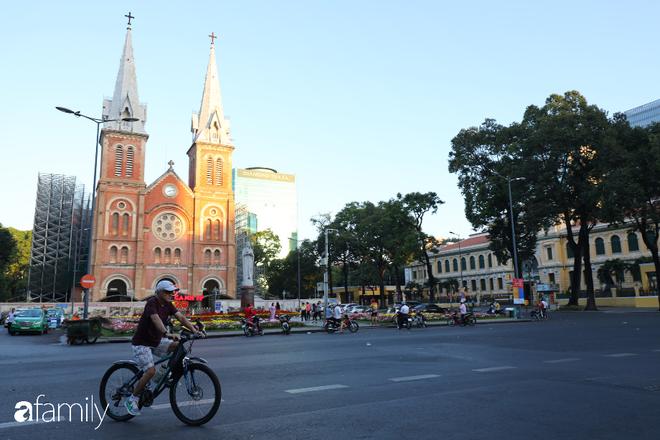 Chùm ảnh cực phẩm 1 năm chỉ có 1 lần cảnh đường phố Sài Gòn vắng vẻ khác lạ, cảm giác quá đỗi thanh bình vào sáng mùng 1 Tết - ảnh 4
