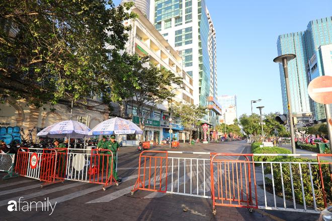 Chùm ảnh cực phẩm 1 năm chỉ có 1 lần cảnh đường phố Sài Gòn vắng vẻ khác lạ, cảm giác quá đỗi thanh bình vào sáng mùng 1 Tết - ảnh 21