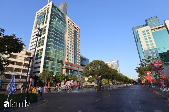 Chùm ảnh cực phẩm 1 năm chỉ có 1 lần cảnh đường phố Sài Gòn vắng vẻ khác lạ, cảm giác quá đỗi thanh bình vào sáng mùng 1 Tết - ảnh 22