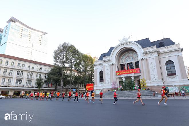 Chùm ảnh cực phẩm 1 năm chỉ có 1 lần cảnh đường phố Sài Gòn vắng vẻ khác lạ, cảm giác quá đỗi thanh bình vào sáng mùng 1 Tết - ảnh 19