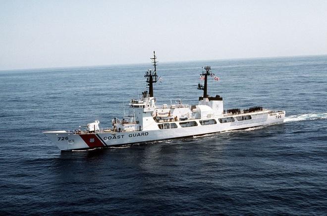 [ẢNH] Cảnh sát biển Việt Nam thăm tàu tuần tra USCGC John Midgett sắp được Mỹ bàn giao - Ảnh 17.