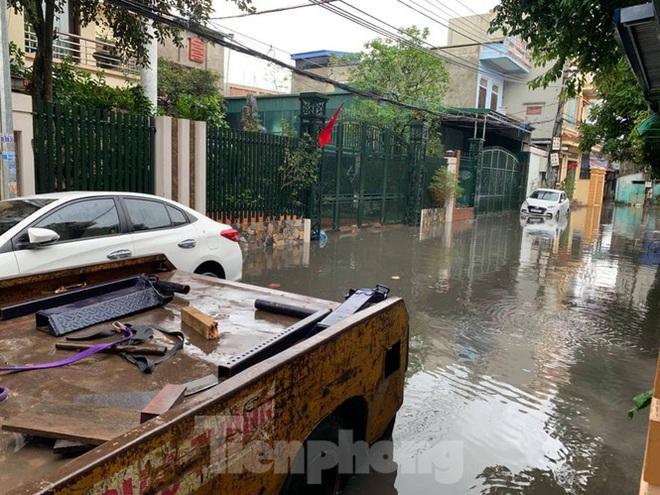 Nam Định ngập sâu, người dân thúc thủ trong nhà ngày mùng 1 Tết - Ảnh 5.