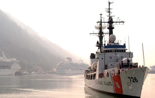 [ẢNH] Cảnh sát biển Việt Nam thăm tàu tuần tra USCGC John Midgett sắp được Mỹ bàn giao - Ảnh 5.