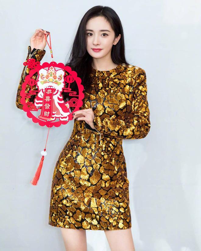 Lưu Gia Linh, Dương Mịch, Angelababy rạng ngời đón xuân - Ảnh 10.