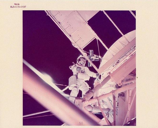 Ảnh hiếm ấn tượng về vũ trụ của NASA từ những năm 1960 - 1980 - Ảnh 1.