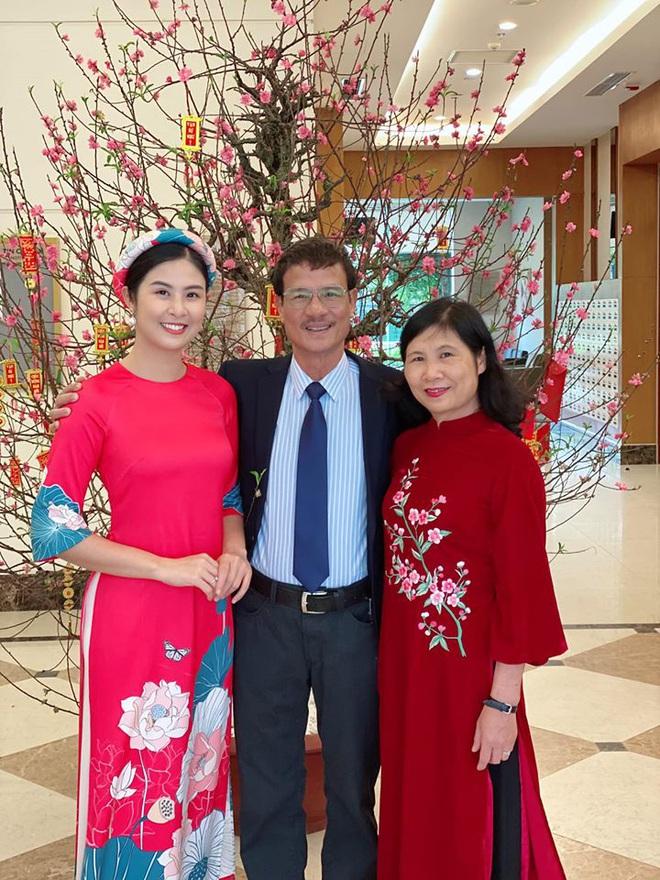 Hoa hậu Ngọc Hân đăng ảnh tình tứ với chồng sắp cưới - Ảnh 5.