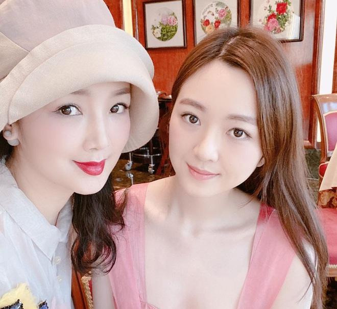 Ba thế hệ gia đình Hoa hậu Đền Hùng Giáng My gây ngỡ ngàng bởi nhan sắc xinh đẹp - Ảnh 4.