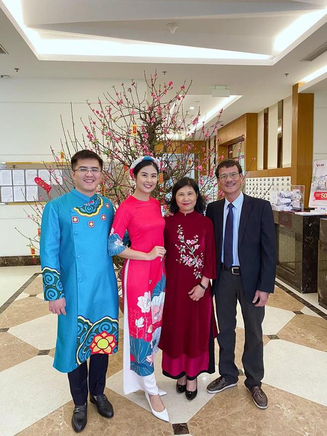 Hoa hậu Ngọc Hân đăng ảnh tình tứ với chồng sắp cưới - Ảnh 3.