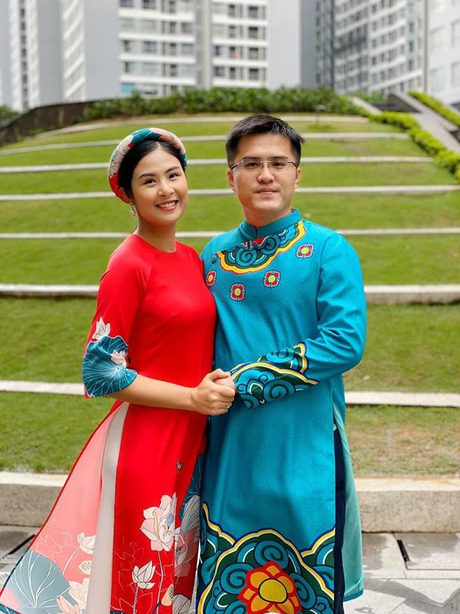 Hoa hậu Ngọc Hân đăng ảnh tình tứ với chồng sắp cưới - Ảnh 2.