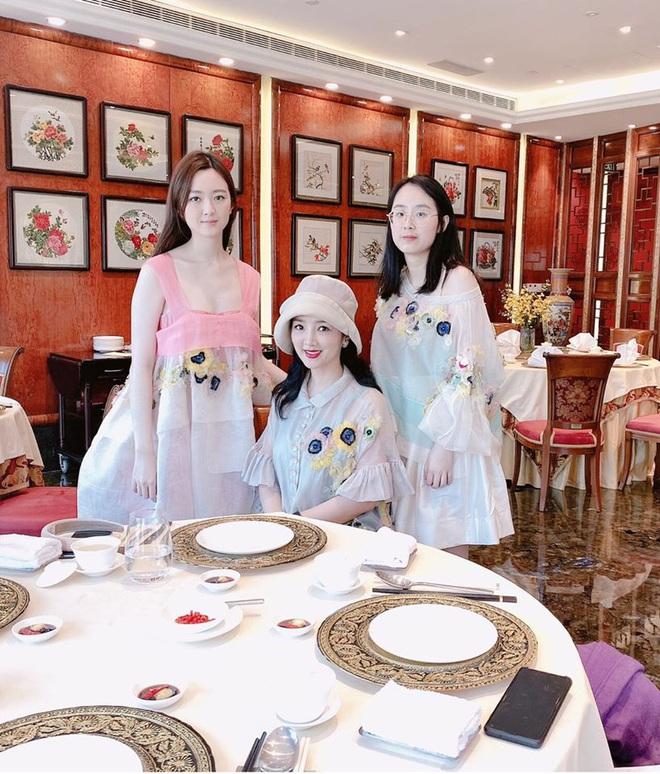 Ba thế hệ gia đình Hoa hậu Đền Hùng Giáng My gây ngỡ ngàng bởi nhan sắc xinh đẹp - Ảnh 3.