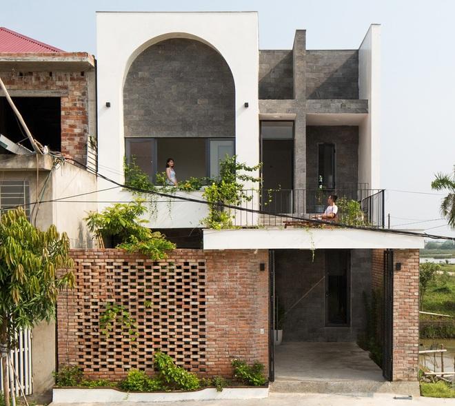 Lối kiến trúc độc đáo của ngôi nhà phố tại Hà Tĩnh - Ảnh 1.