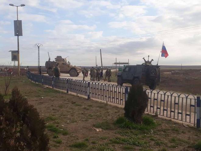 Nổ ra đụng độ giữa lực lượng Nga-Mỹ tại Syria? - Ảnh 2.