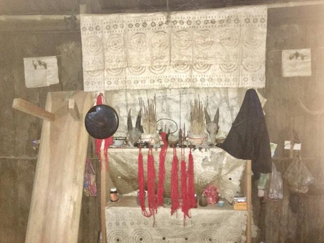 Tục làm giấy bản đón năm mới của người Mông - Ảnh 1.