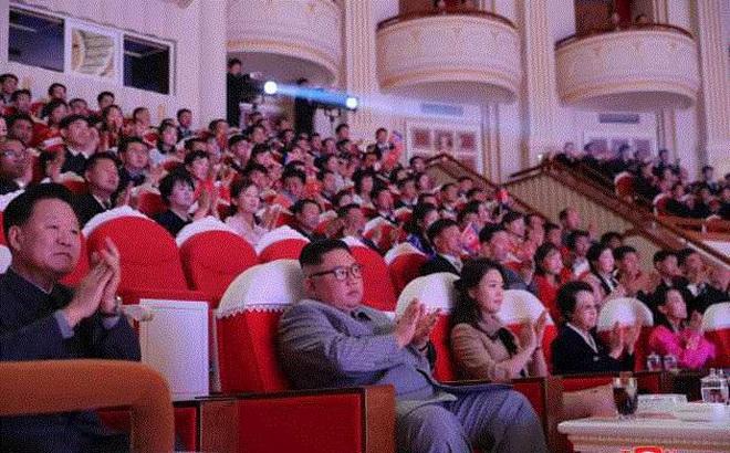 Cô của Kim Jong-un xuất hiện lần đầu tiên sau khi chồng bị xử tử