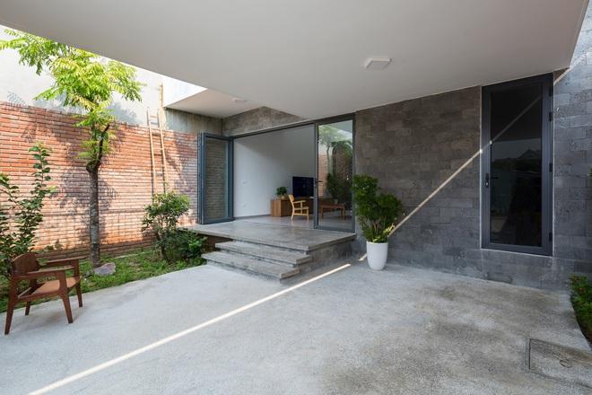 Lối kiến trúc độc đáo của ngôi nhà phố tại Hà Tĩnh - Ảnh 3.