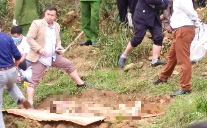 Xác định danh tính cô gái bị chôn bên bờ suối, thò cánh tay khỏi mặt đất
