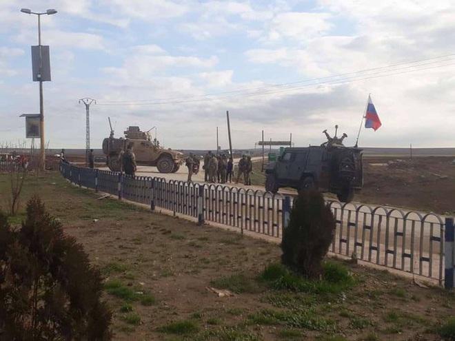 Mỹ cắt đứt hoàn toàn khả năng tiếp cận căn cứ El Kamyshli của binh sĩ Nga - Ảnh 12.