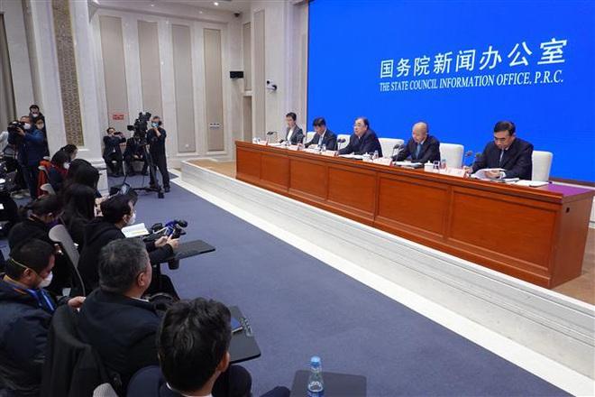 TổngGiám đốc WHO tới Trung Quốc thảo luận kiểm soát dịch, nhiều quốc gia chuẩn bị sơ tán công dân - Ảnh 3.