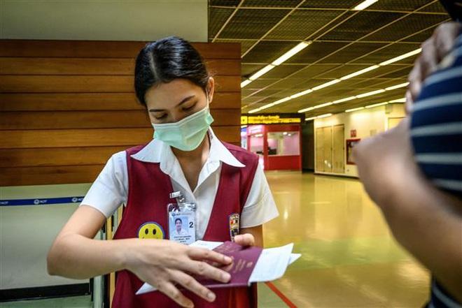 TổngGiám đốc WHO tới Trung Quốc thảo luận kiểm soát dịch, nhiều quốc gia chuẩn bị sơ tán công dân - Ảnh 4.