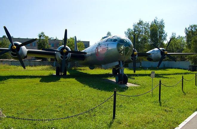 Liên Xô đã bí mật sao chép máy bay ném bom mạnh nhất của Mỹ - ảnh 18