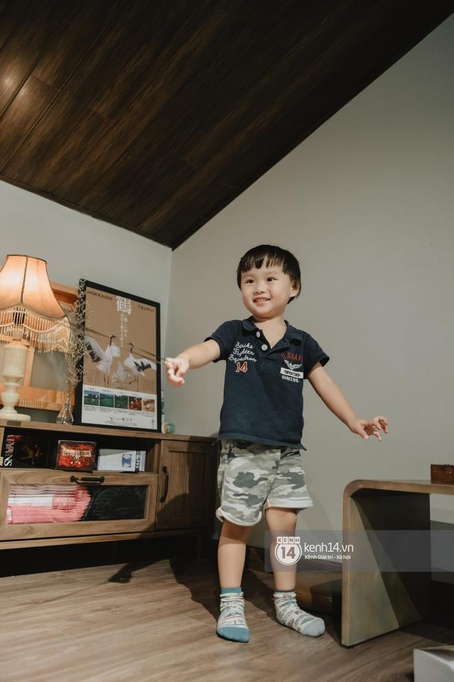 Hoá ra bé Sa là 'bản sao thất lạc' lúc nhỏ của Sơn Tùng M-TP: Con mẹ Quỳnh Trần JP sau này không hot boy cũng cực phẩm 'vạn người mê'! - ảnh 2