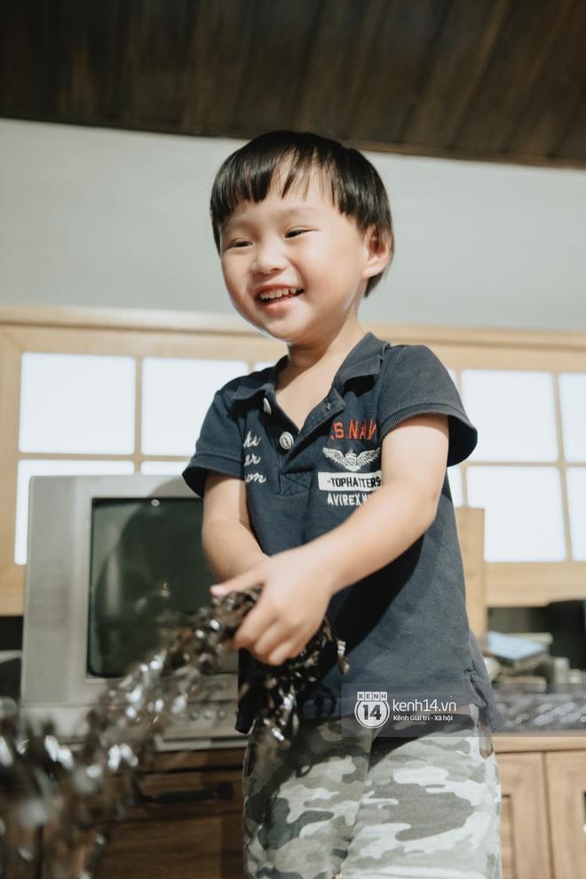 Hoá ra bé Sa là 'bản sao thất lạc' lúc nhỏ của Sơn Tùng M-TP: Con mẹ Quỳnh Trần JP sau này không hot boy cũng cực phẩm 'vạn người mê'! - ảnh 5