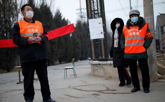 """Sợ virus Corona, nhiều ngôi làng đóng cửa, người Vũ Hán cảm thấy """"cô đơn nhất thế giới"""""""