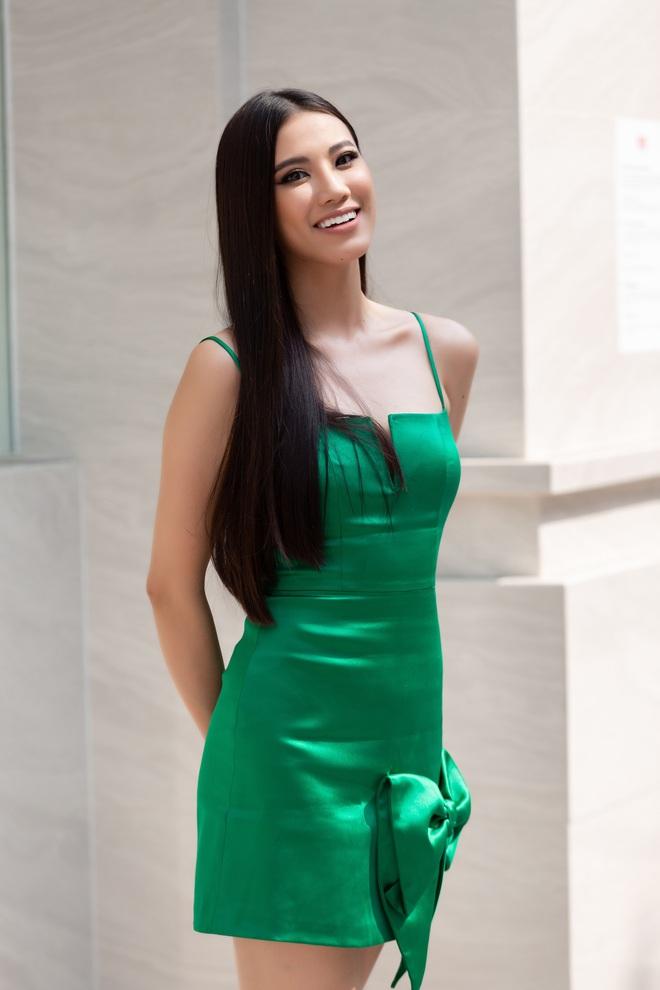Á hậu Kim Duyên: Chị Khánh Vân có tính manly, ga lăng nhưng tôi không nghi ngờ gì về giới tính của chị - Ảnh 1.