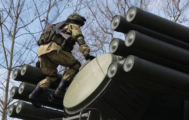 Pantsir-S Nga truy sát khủng bố Syria: Chạy đâu cũng không thoát! - Ảnh 1.