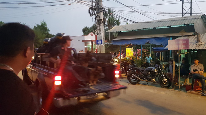 Gần 600 cảnh sát truy bắt kẻ nổ súng khiến 5 người tử vong ở Sài Gòn - Ảnh 2.