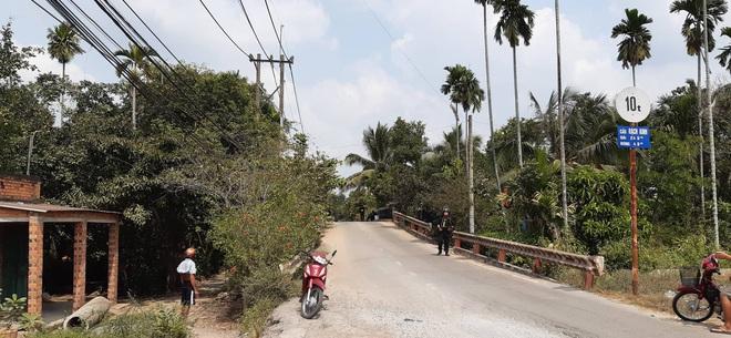 Gần 600 cảnh sát truy bắt kẻ nổ súng khiến 5 người tử vong ở Sài Gòn - Ảnh 4.